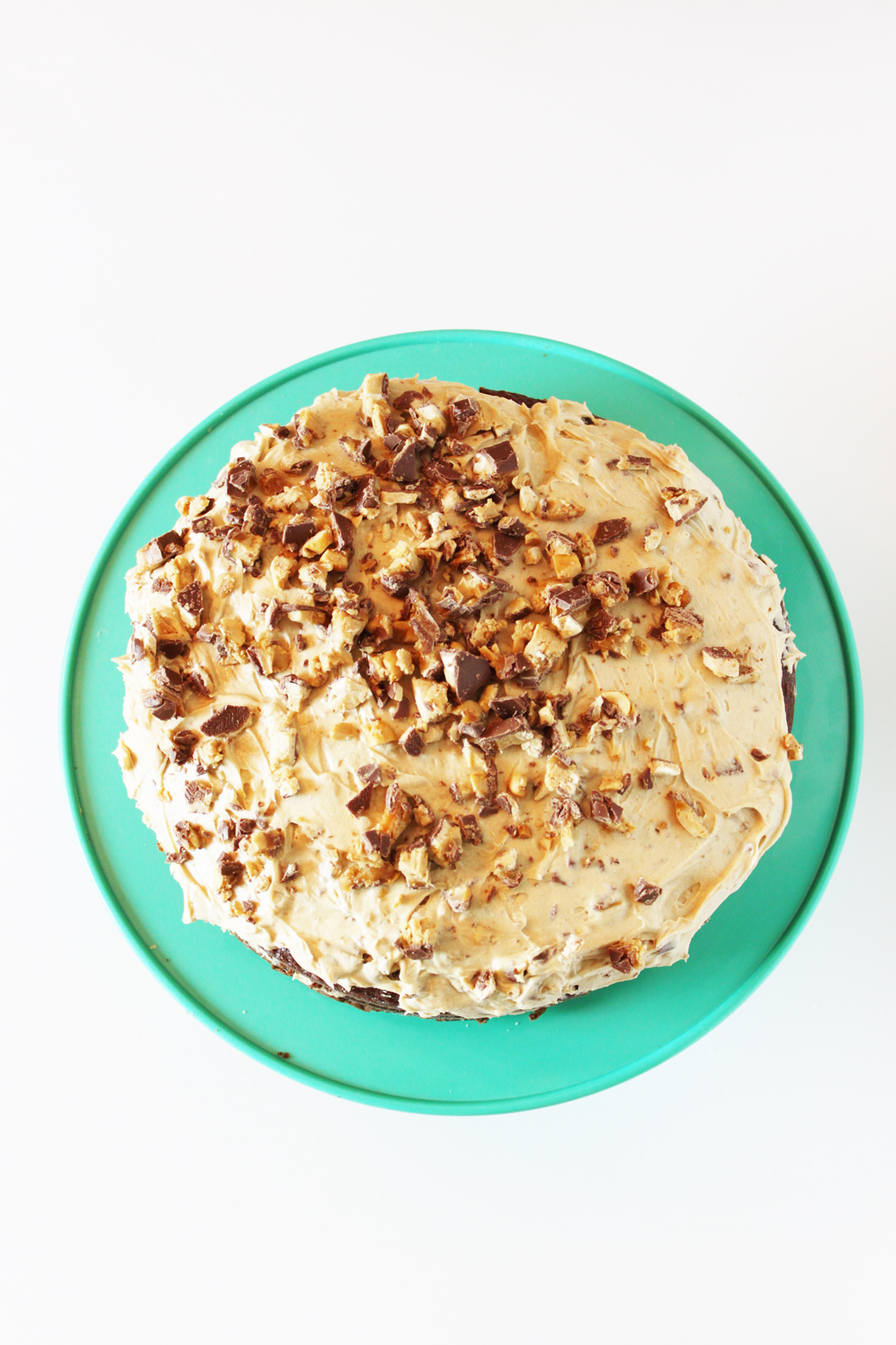SNICKERS-Peanut-Butter-Cake-11