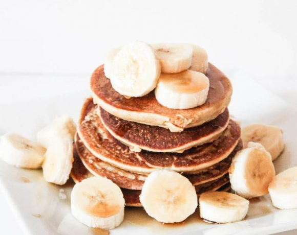 CHOCOLATE COCONUT BANANA PROTEIN PANCAKES!