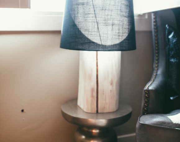 KING'S NURSERY | DIY LOG LAMP