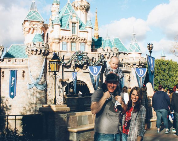 TIPS & TRICKS TO DISNEYLAND WITH A LITTLE ONE.