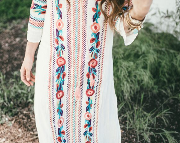 EMBROIDERED MAXI DRESS.