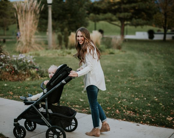 5 TIPS TO TAKING YOUR LITTLES OUT