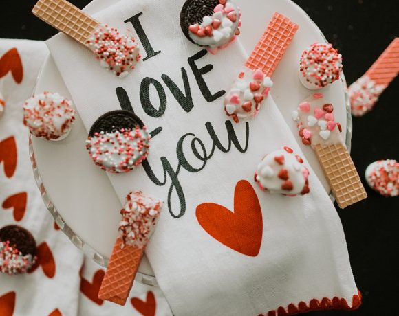 3 VALENTINES TREATS TO MAKE WITH YOUR TODDLER.