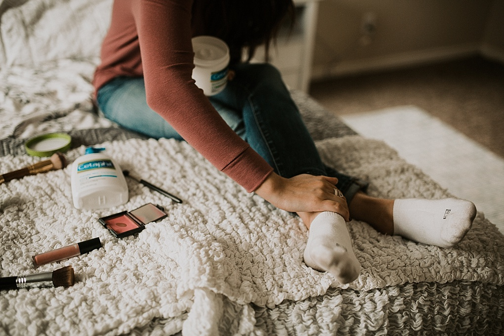 Skincare Routine: 5 MINUTE MORNING MUST HAVES by Utah blogger Dani Marie - mama must have morning kit with cetaphil cream and makeup products