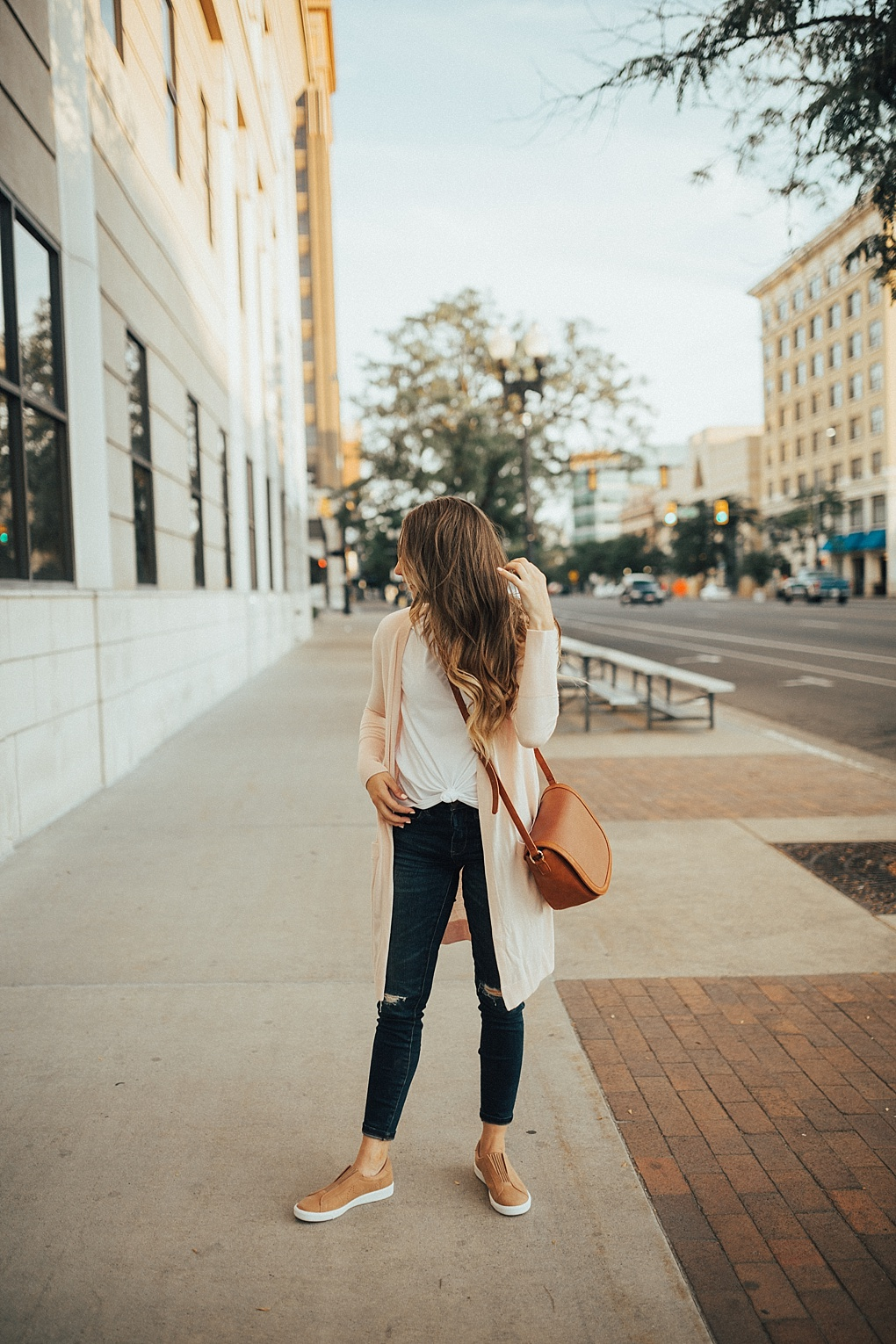 9 Ways To Wear Basic Tees For Fall by Utah fashion blogger Dani Marie