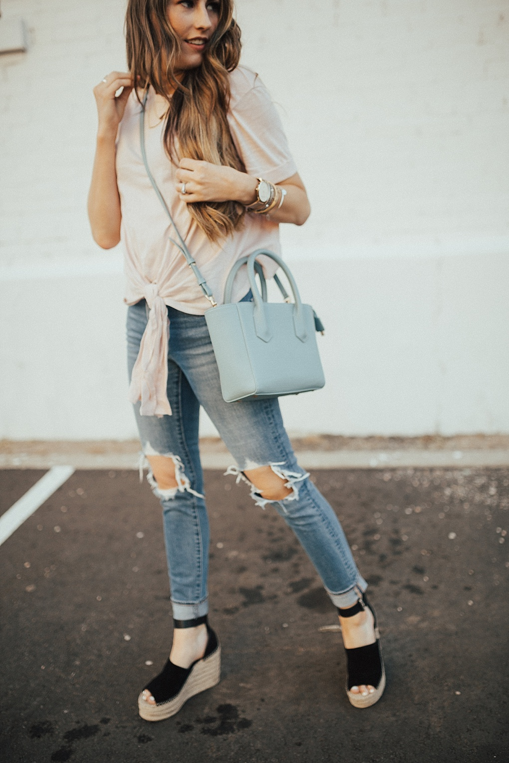 The Must Have Tie Tee Shirt To Transition To Fall by Utah fashion blogger Dani Marie.
