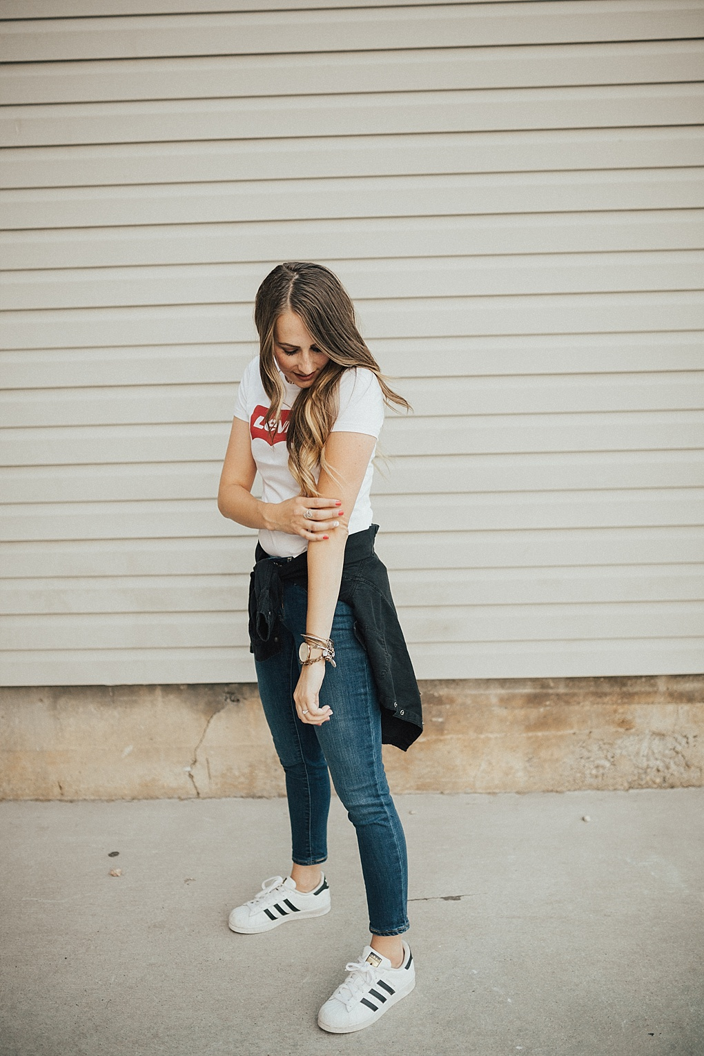 2 Ways To Wear A Graphic Tee For Fall by Utah fashion blogger Dani Marie