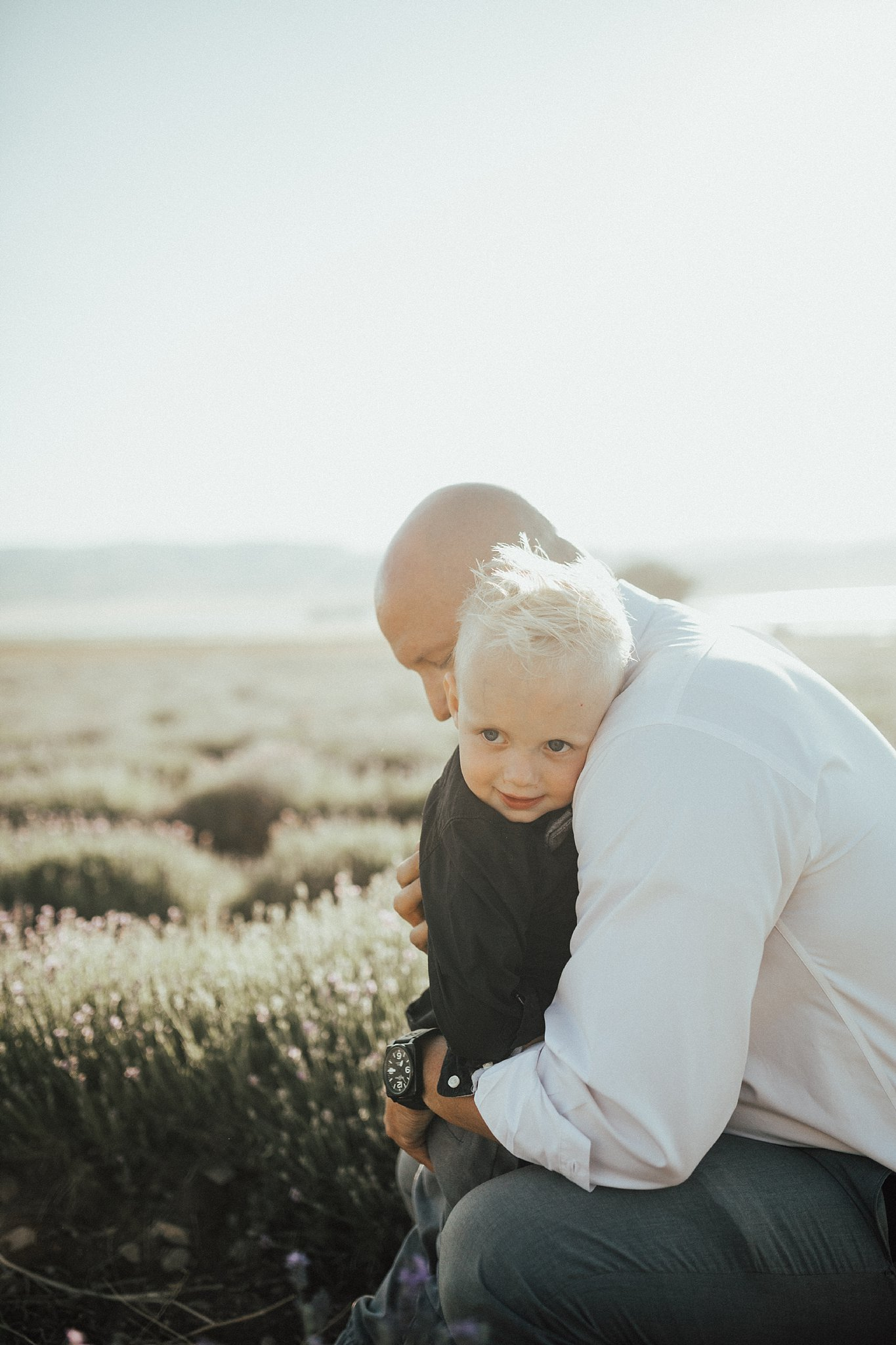Family Picture Ideas by Utah mom blogger Dani Marie