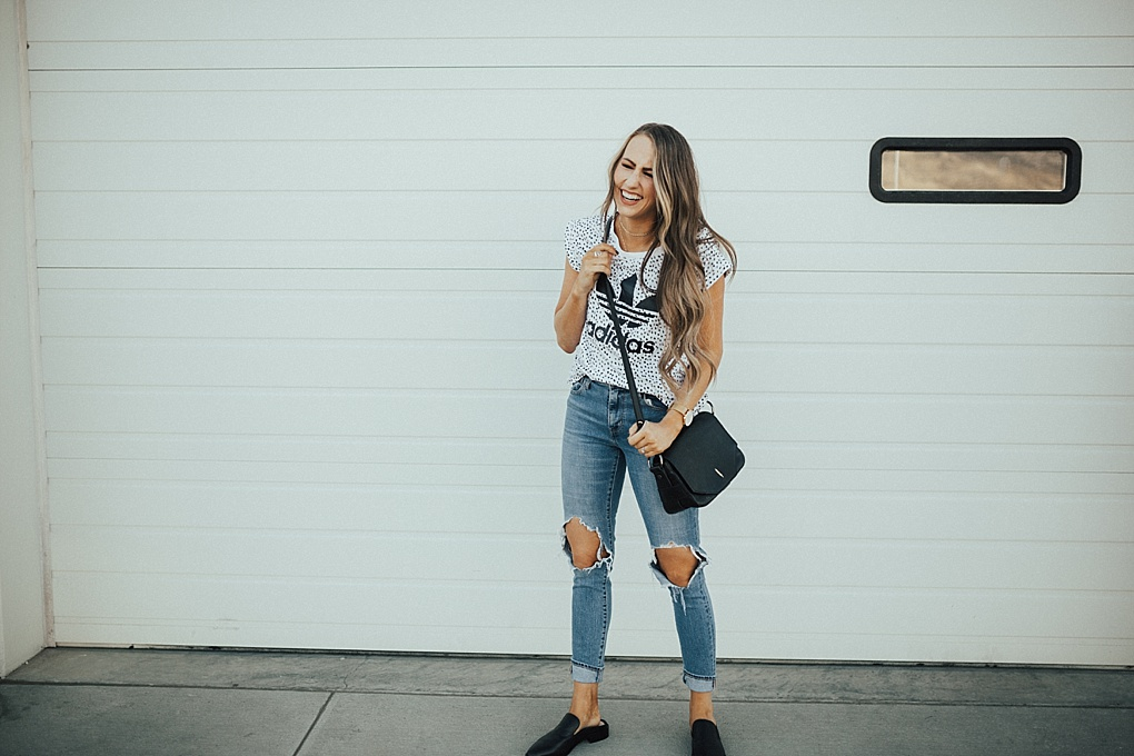 3 Must Have Momiform Pieces: Oversized Tee, Denim & Loafers by Utah fashion blogger Dani Marie