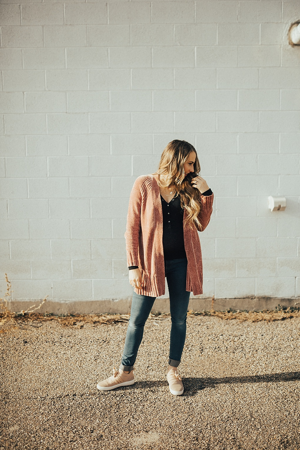 Bookmark this post! See how Utah Style Blogger Dani Marie is getting ready for Valentine's Day with these 5 Valentines Looks!