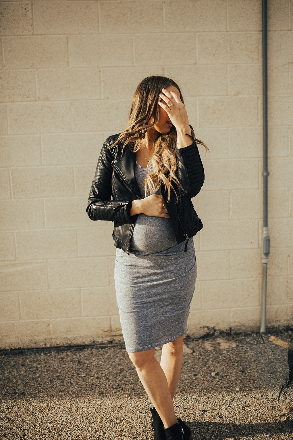 Bodycon dresses are the best! See how Utah Style Blogger Dani Marie is styling bodycon dresses!