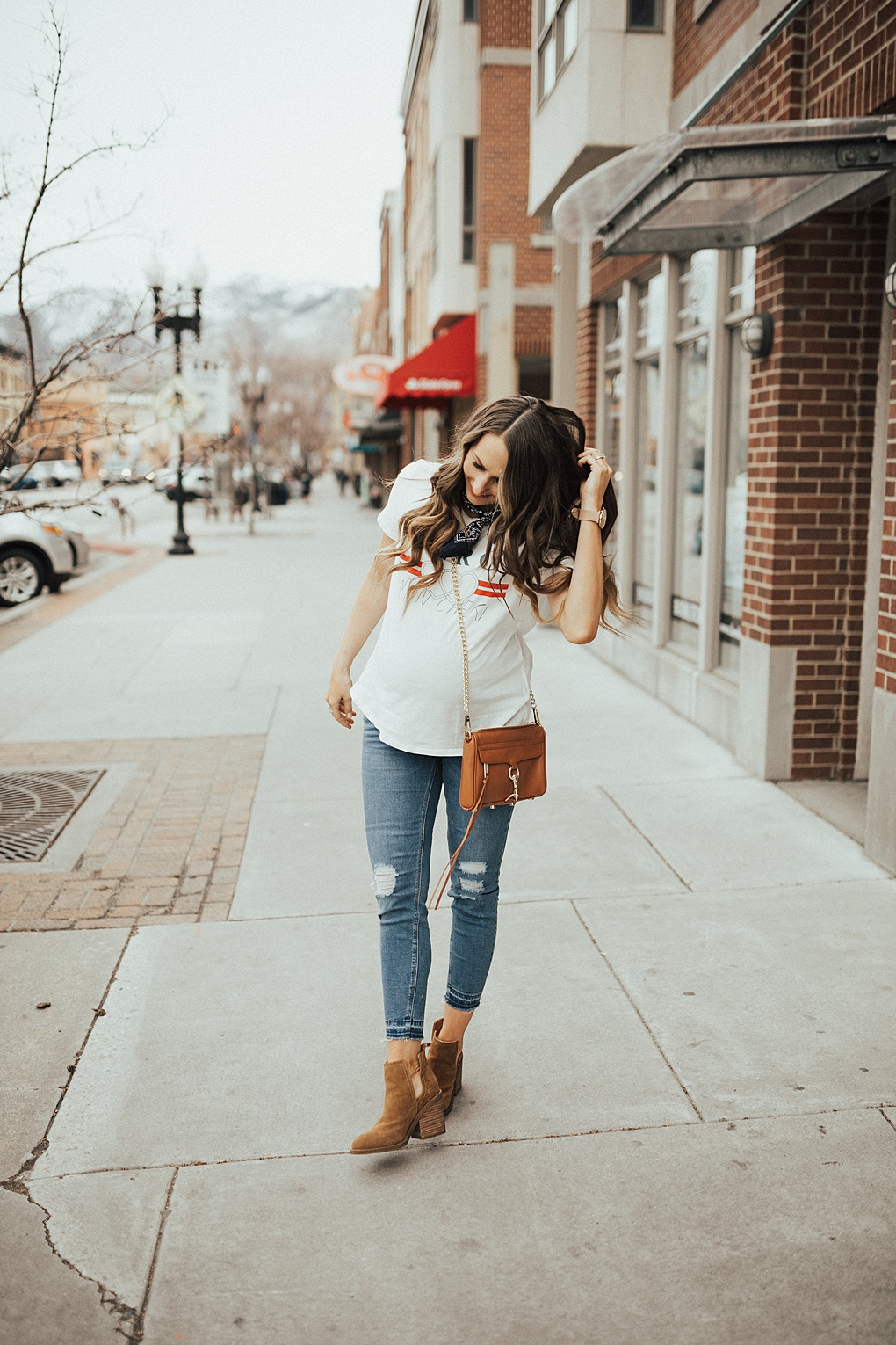 Ladies, need help figuring out the best shoe trends this year? See how Utah Style Blogger Dani Marie styles her favorite spring and summer shoe trends.