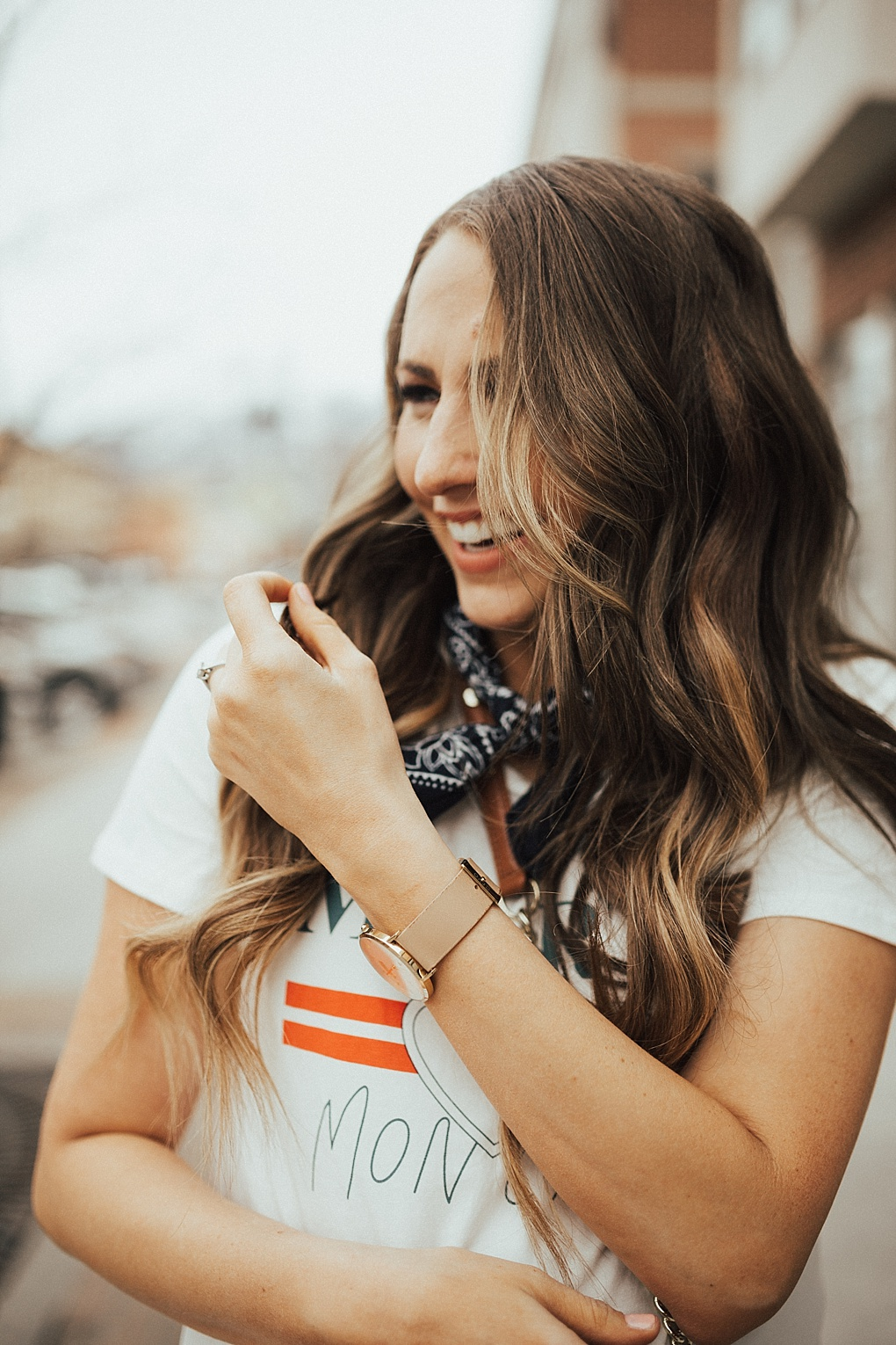 Bookmark this post ASAP! Utah Style Blogger Dani Marie is sharing her top tips on how to spice up your favorite graphic tees!