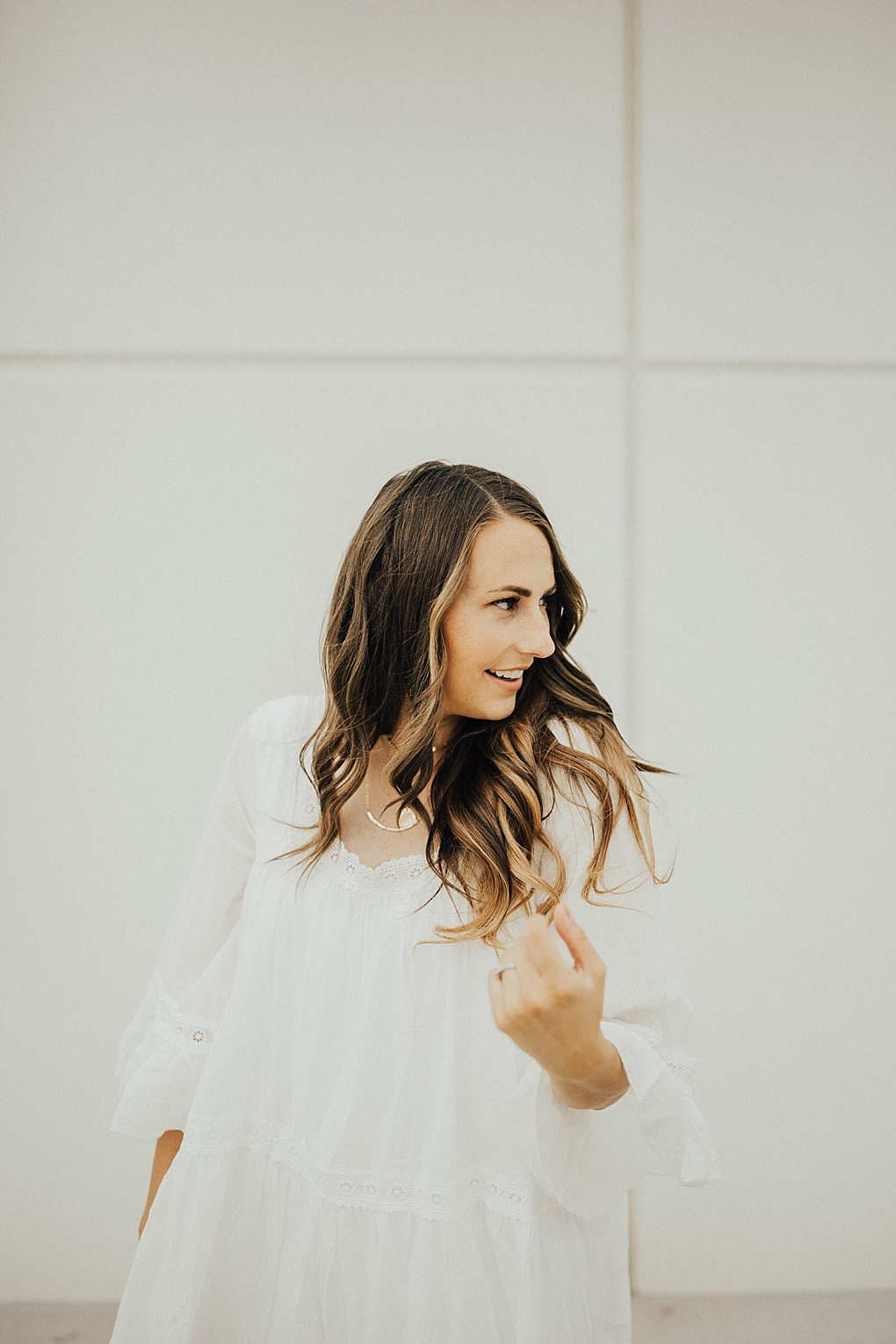 Need some white style staples in your wardrobe for Summer? Check out these favorites from Utah Style Blogger Dani Marie! SAVE THIS POST!