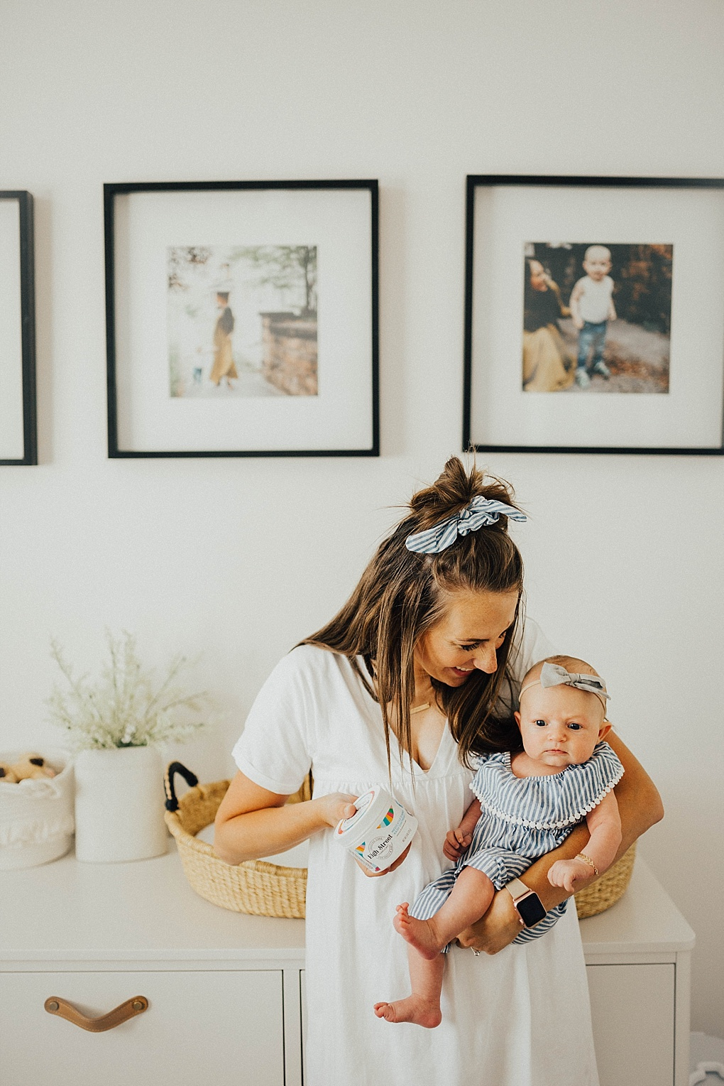 Diaper changes can be a bit frustrating, especially with a newborn! Utah Style blogger Dani Marie is sharing her top tips on making diaper changes easier! See how HERE!