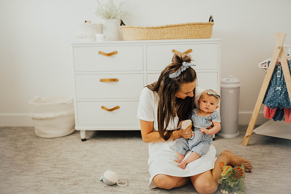 Diaper changes can be a bit frustrating, especially with a newborn! Utah Style blogger Dani Marie is sharing her top tips on making diaper changes easier!