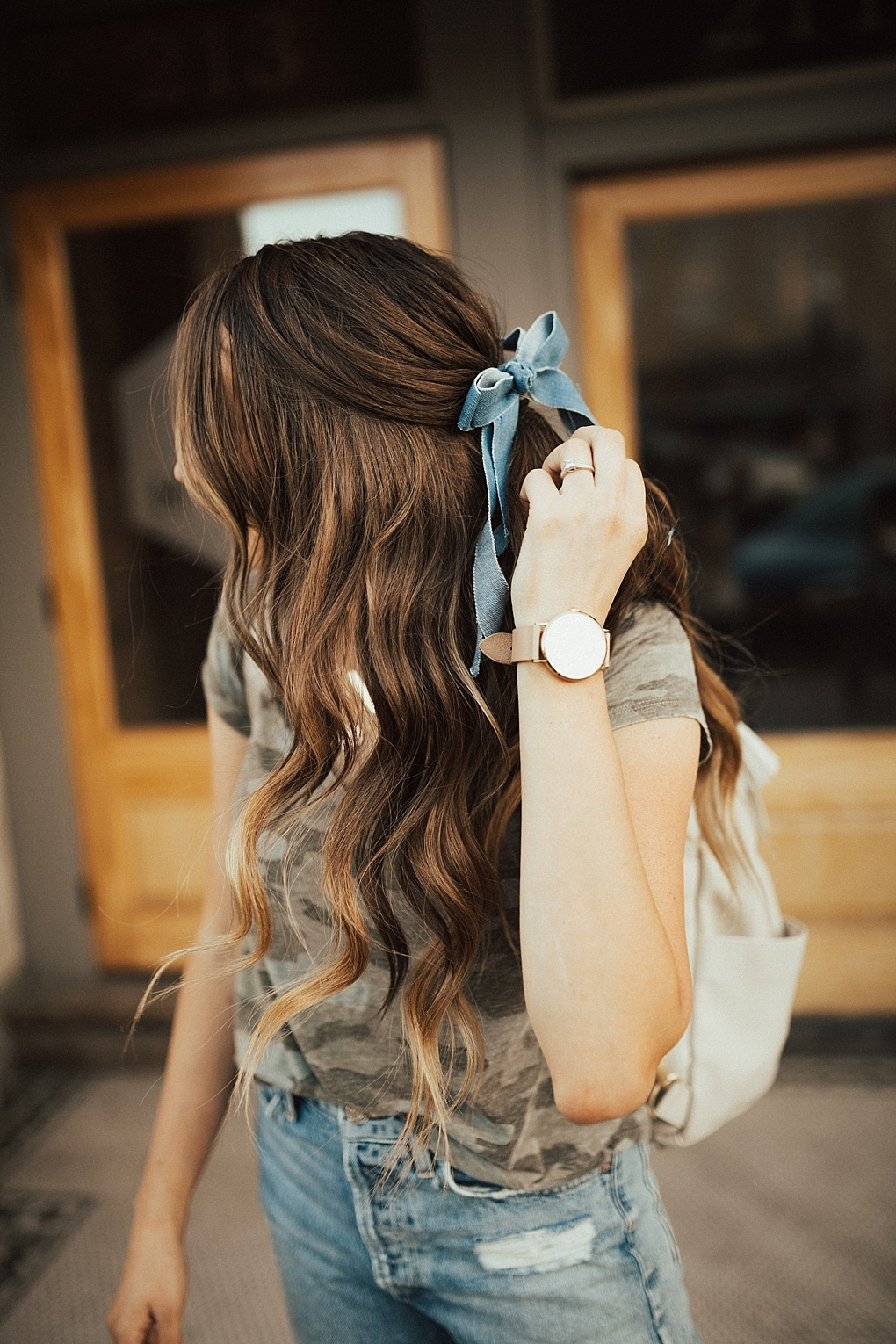 Bookmark this post ASAP! Curious which ones you need? Utah Style Blogger Dani Marie is sharing her top 5 MUST have hair accessories!