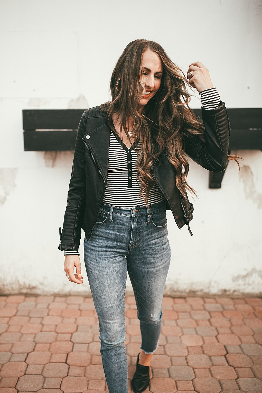 Fall is coming, which of course means time to break out the fall essentials. Utah Style Blogger Dani Marie is sharing her top fall essentials!