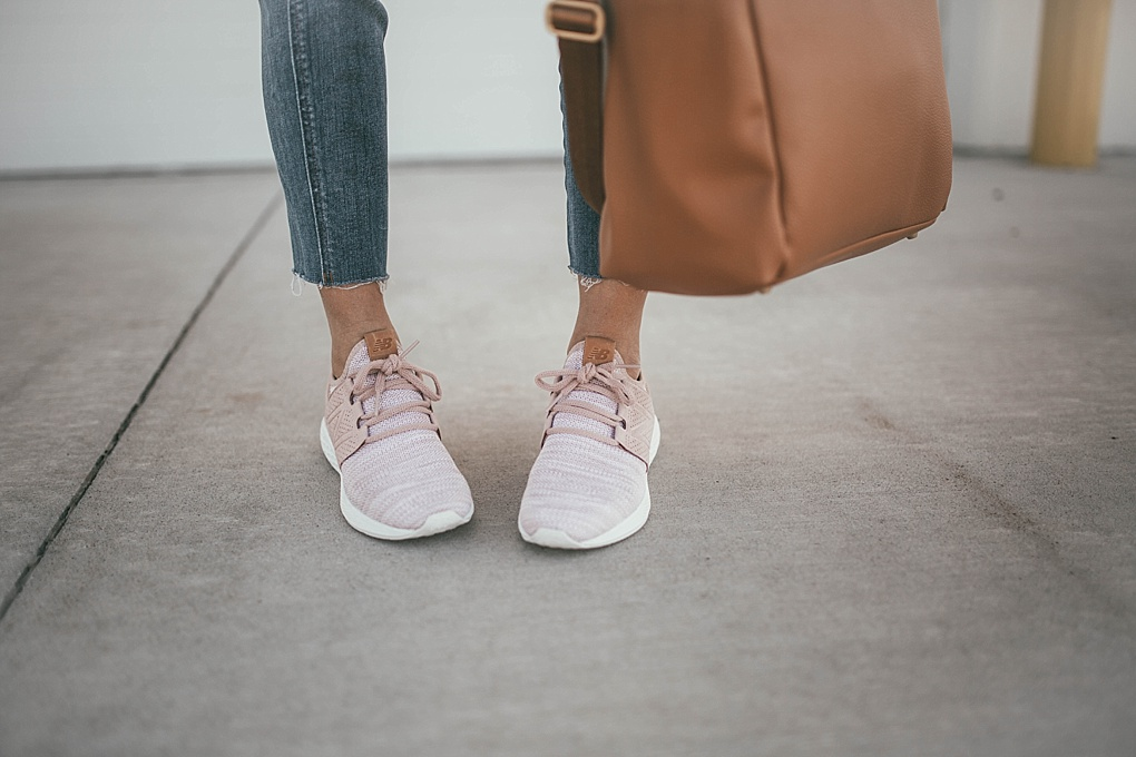 Curious what to add to your Fall Momiform? Utah Style Blogger Dani Marie is sharing her 5 items to add to your momiform wardrobe this fall.