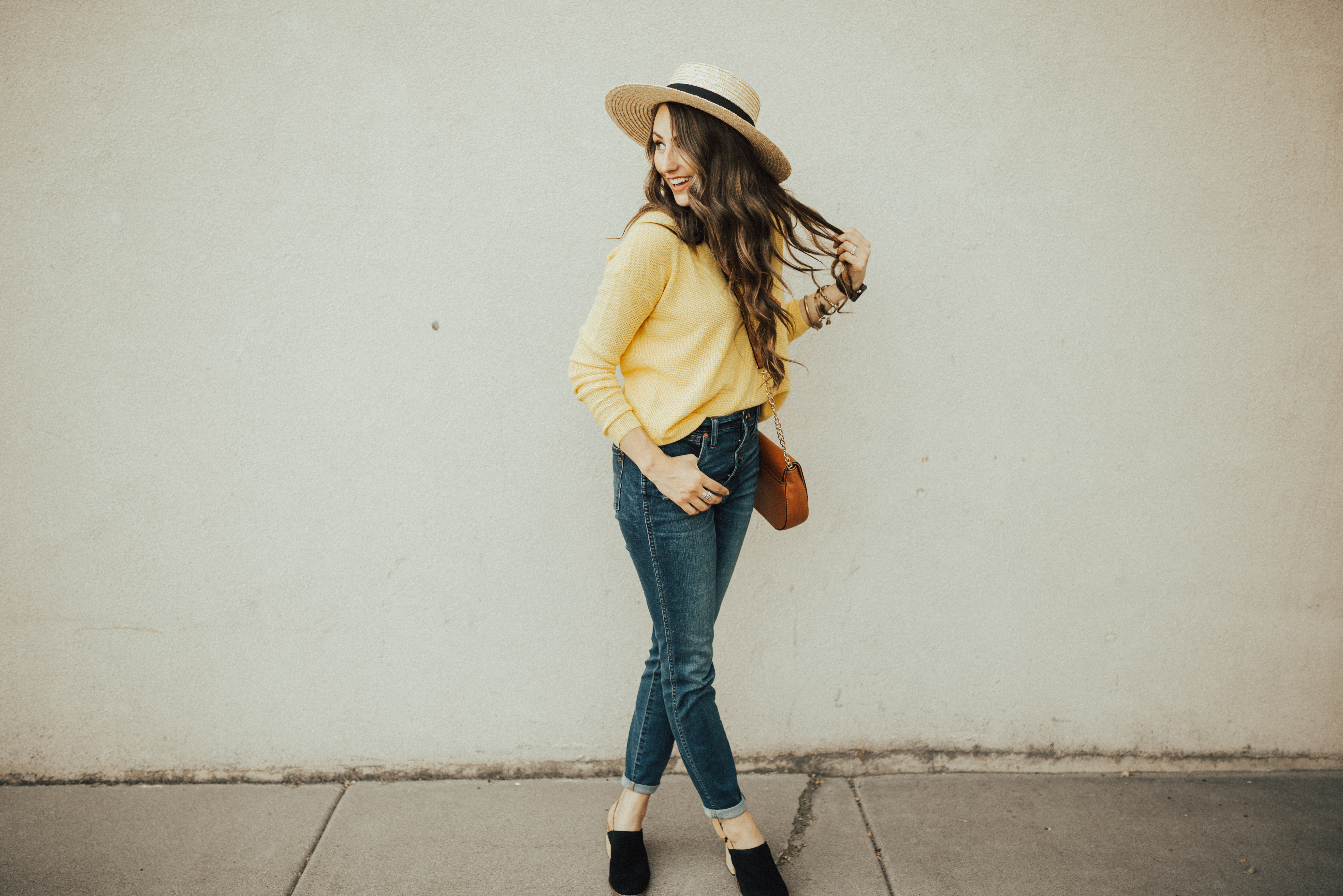 Who else is ready for Fall? Utah Style Blogger Dani Marie is sharing her top 13 mom friendly fall outfits that will keep you stylish all season long!