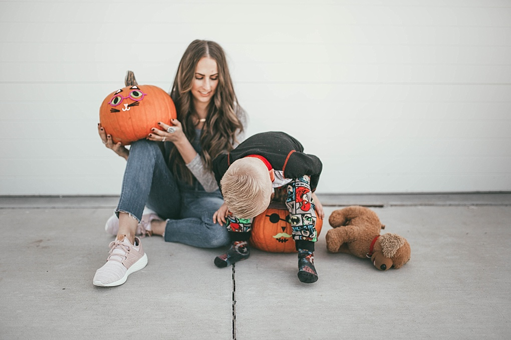 Need help planning fall activities? Utah Style Blogger Dani Marie is sharing her fall live list and what her family is doing this fall.