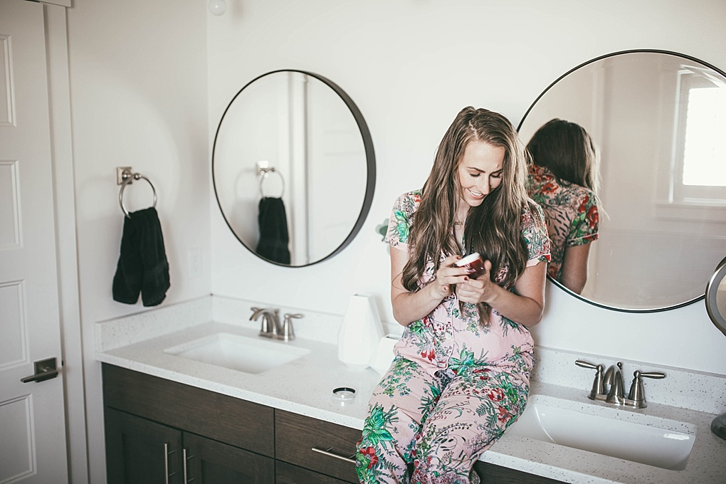 The holidays are here! Need help looking and feeling your best this holiday season? Utah Style Blogger Dani Marie is sharing her 5 simple tips here!