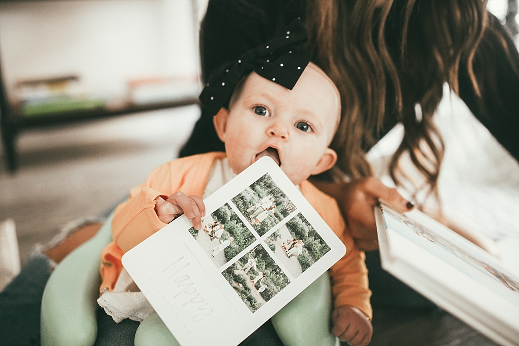 Holiday cards can be overwheming right? Utah Style Blogger Dani Marie is sharing her easy tips and tricks to ordering holiday cards like a pro. See them here!