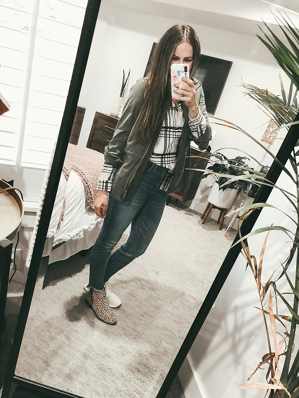 Headed to America Eagle today? Utah Style Blogger Dani Marie is sharing her latest fashion finds in her American Eagle try on. See her picks here!