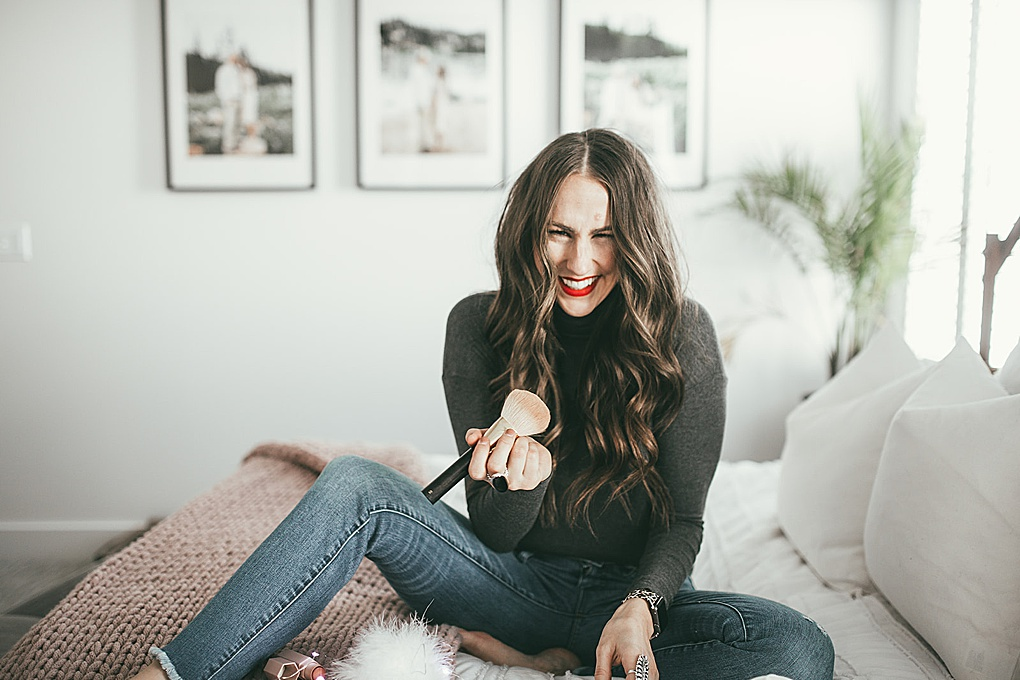 Looking to turn your everday makeup into holiday makeup? Utah Style Blogger Dani Marie is sharing her 3 simple steps to turn any look into a holiday makeup look.  See how here!