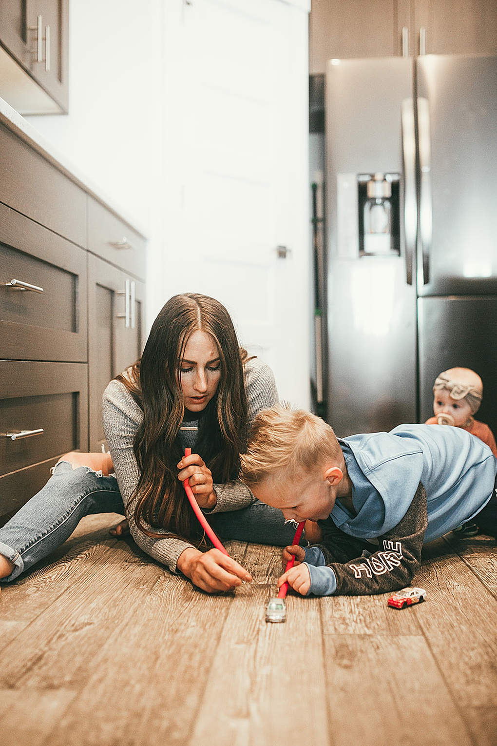Curious what indoor activities your kids will enjoy this winter? Utah Style Blogger is sharing 5 of her favorite indoor activities to help keep your kids busy this winter!
