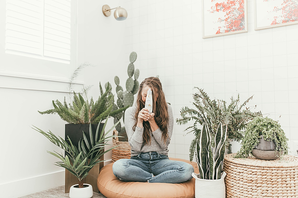 Looking to refresh your home for Spring? Utah Style Blogger Dani Marie is sharing her 3 favorite simple ways to refresh your home for spring. See them here!