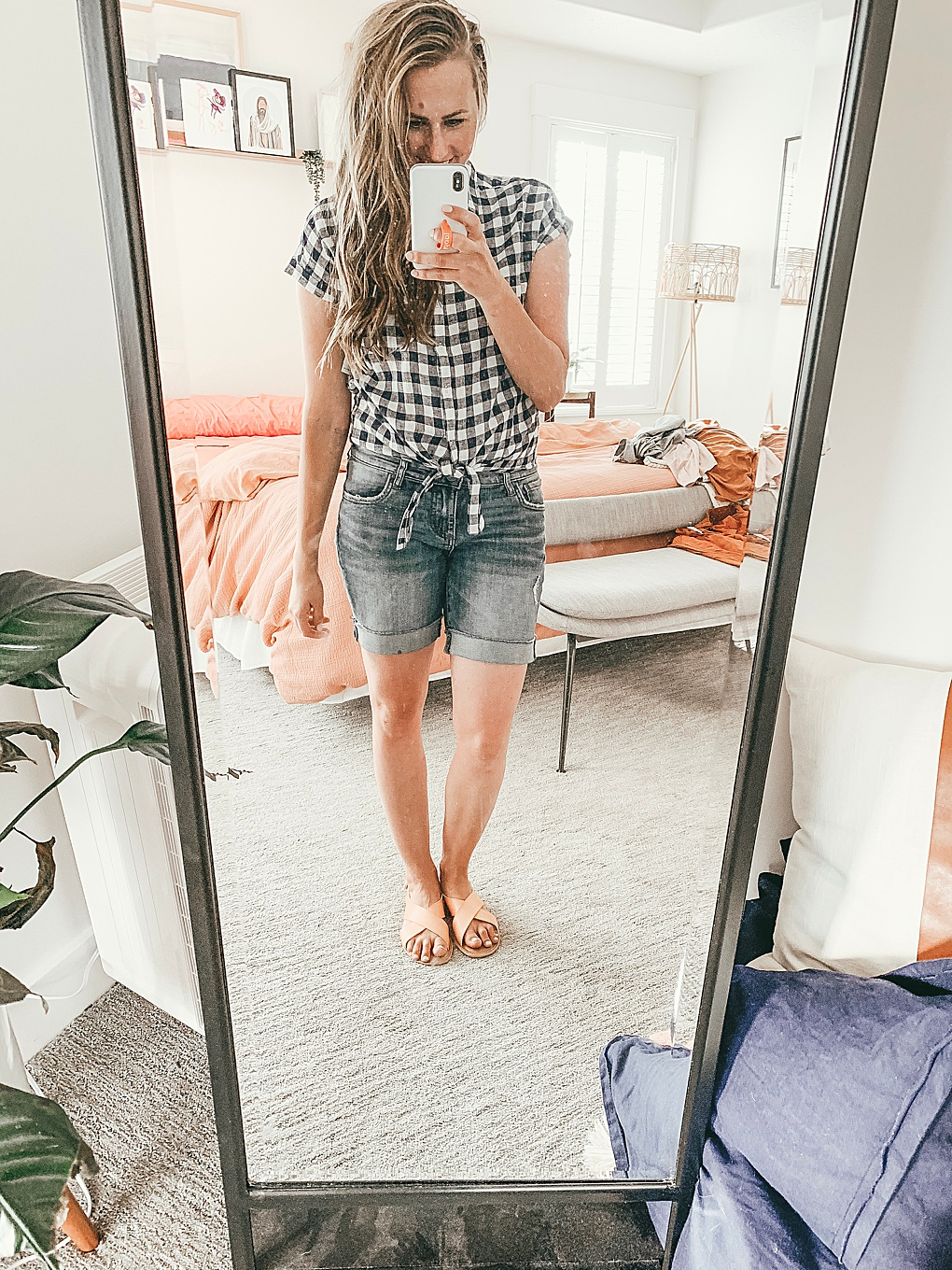 Heading to Old Navy soon? Utah Style Blogger Dani Marie is sharing her top June Old Navy Try-On Find. Click to see them HERE!