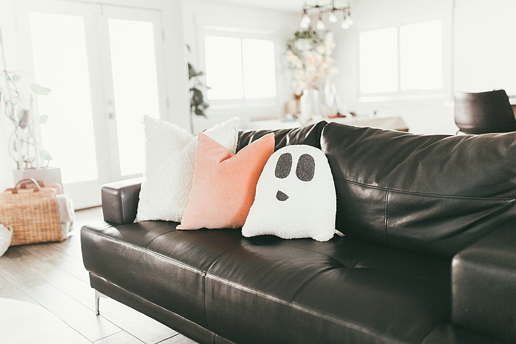 Simple and Realistic Fall Home Decor by Utah Lifestyle Blogger Dani Marie