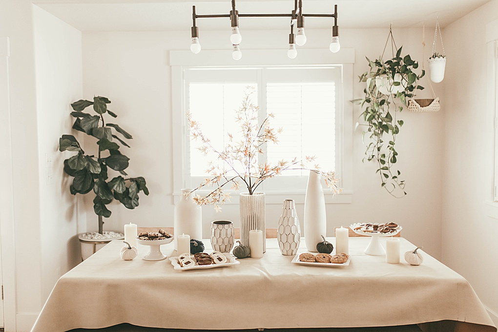 Cold Cereal Bars are such a fun way to bring the neighborhood or friends together. Utah Blogger Dani Marie shares this simple party idea.